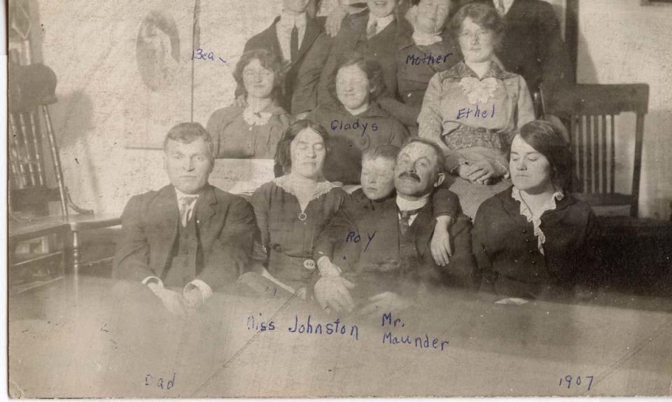 Family, 1907