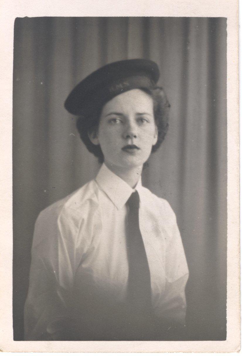 Robina Evelyn Lee, 1943